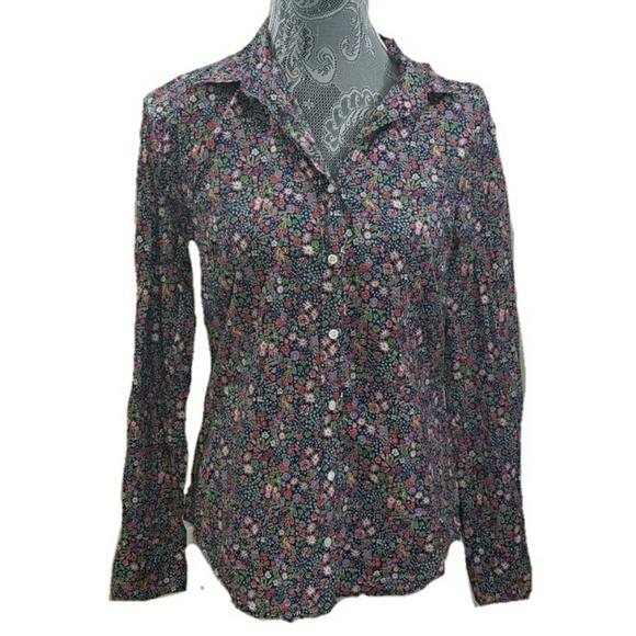 cb48d8a07f6 J. Crew Tops - J. CREW Perfect shirt in Liberty Kayoko floral